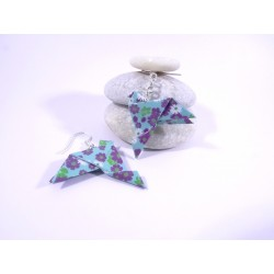 Boucles Oiseaux Origami bleu avec fleurs violettes et blanches