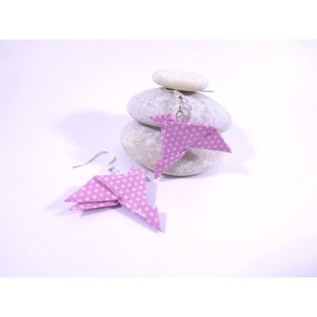 Boucles Oiseaux Origami rose avec fleurs blanches