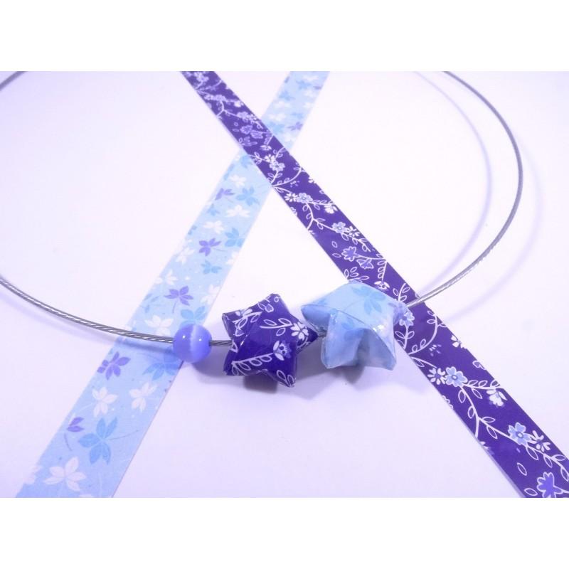 Collier Origami Etoiles Filantes Bleu Pale Et Bleu Roi Avec Fleurs