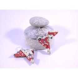 Boucles Oiseaux Origami blanc avec fleurs rouges japonaises