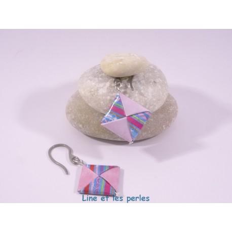 Boucles Carré Origami rose pâle et bleu à rayures