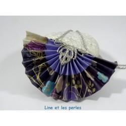 Collier Eventail Origami violet avec fleurs japonaises