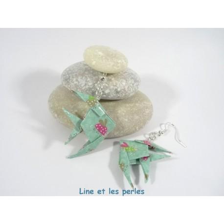 Boucles Poissons Origami vert d'eau avec coccinelles fuchsia