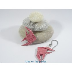 Boucles Poissons Origami rouge avec rayures blanches