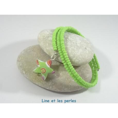 Bracelet Origami Tornade Etoile vert avec boutons et Perles vertes opaques