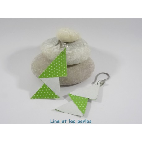 Boucles Arty Origami blanc et vert à pois
