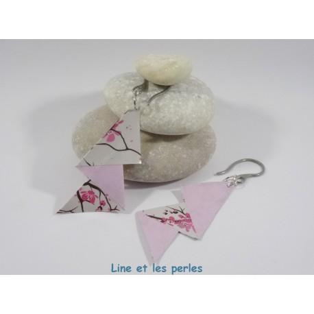 Boucles Arty Origami rose pâle avec fleurs de cerisier