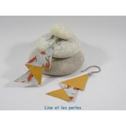Boucles Arty Origami orange et bleu avec carpes koi