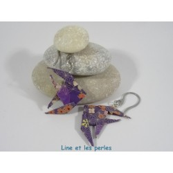 Boucles Poissons Origami violet avec fleur multicolores