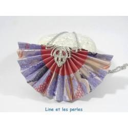 Collier Eventail Origami bleu avec carpes japonaises