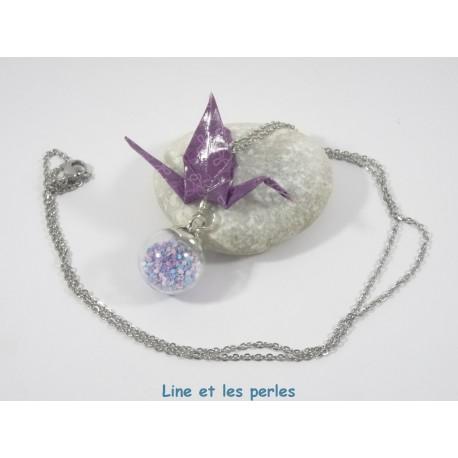 Collier Grue Origami sur Bulle violet avec fleurs parme